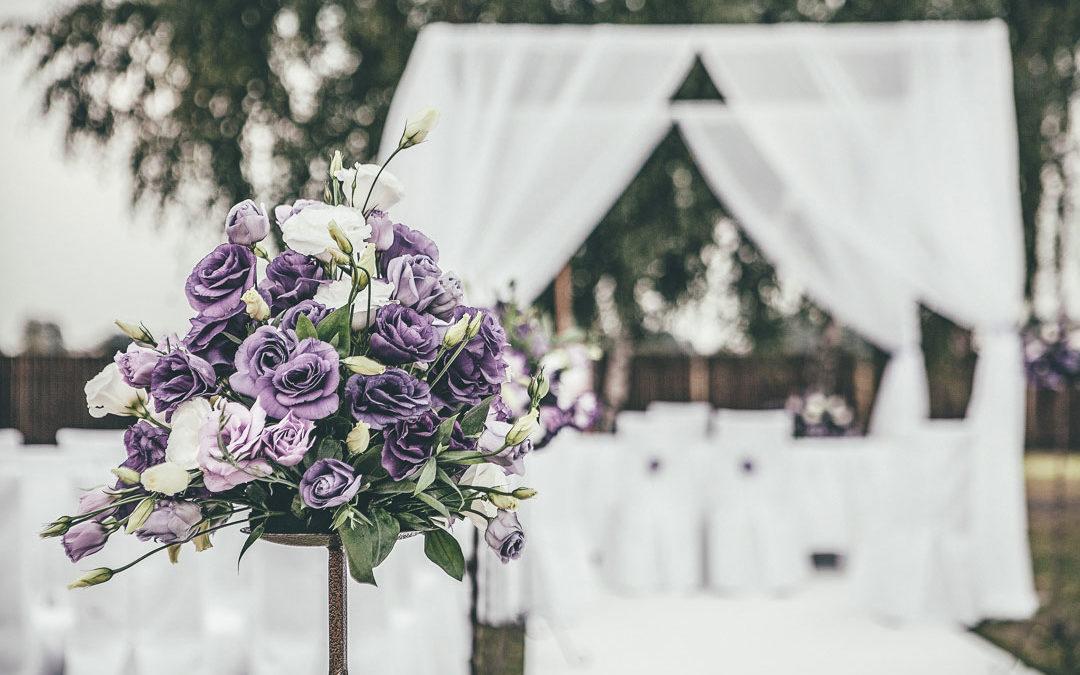 Ślub cywilny w plenerze | dekoracje Atelier Magdalena
